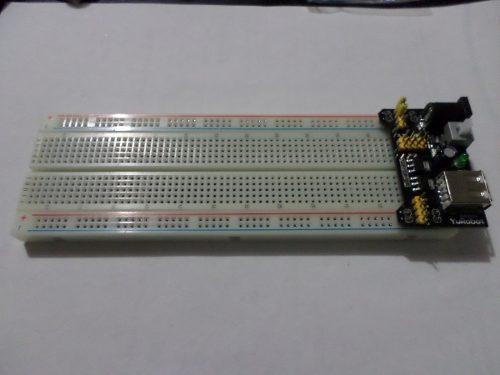 Image fuente-de-poder-33v-5v-protoboard-830pts-y-65-cables-dupont-9724-MLM20021157288_122013-O.jpg