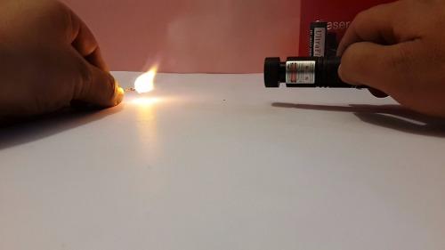 Láser Verde Recargable Multipuntos Prende Cerillos + 2 Pilas en Web Electro